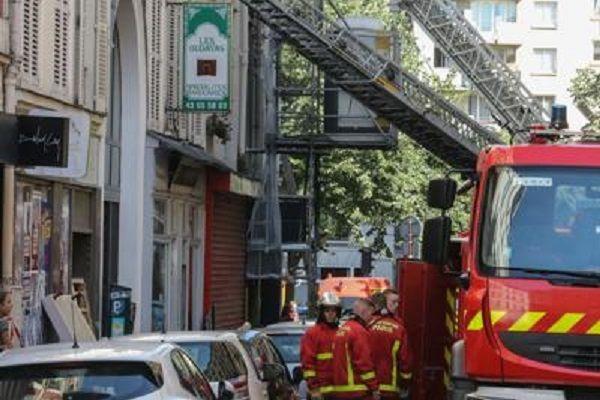 cms_13243/parigi_incendio_pompieri_mezzi_afp.jpg
