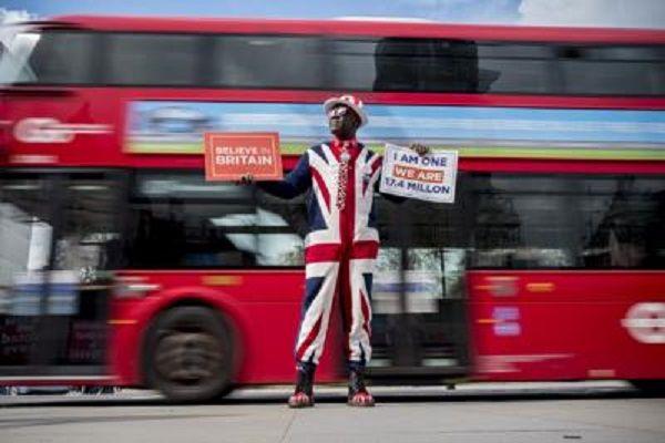 cms_14563/brexit_bus_afp.jpg