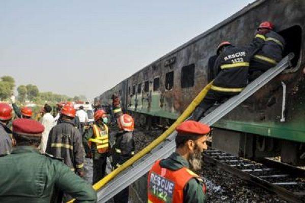 cms_14749/pakistan_treno_tragedia_afp.jpg