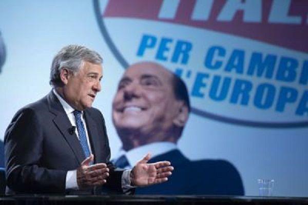 cms_14831/Tajani_Berlusconi_Fg22.jpg