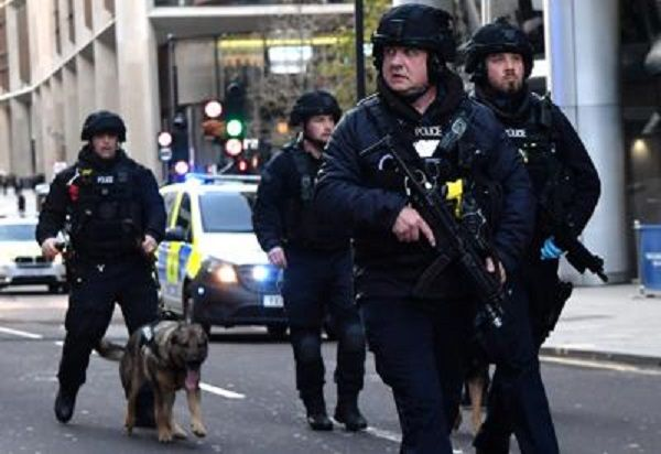 cms_15127/londra_polizia_terrorismo_afp.jpg
