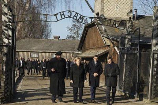 cms_15193/Merkel_Auschwitz_Afp.jpg