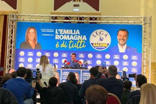 cms_15871/Salvini_comitato_Lega_emilia_Adn.jpg