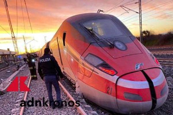 cms_16132/treno_lodi_deragliato_adn_logo_7.jpg