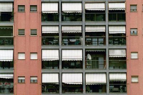 cms_16153/palazzo_balconi_tende_fg.jpg
