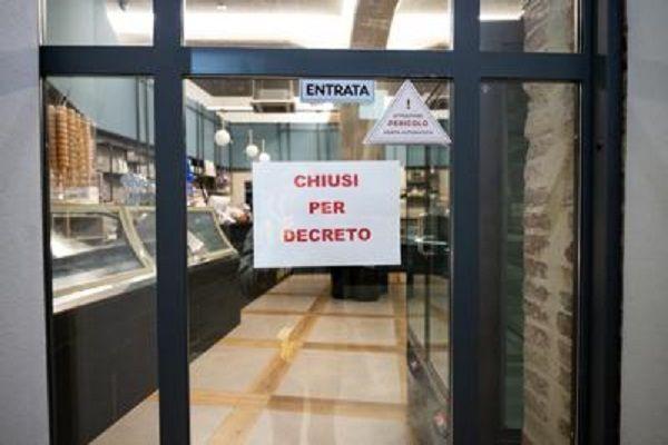cms_16533/coronavirus_negozio_chiuso_Fg.jpg