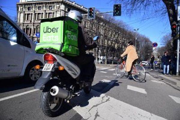 cms_17695/uber_rider_Fg.jpg