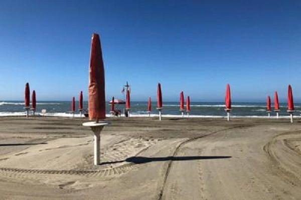 cms_18593/spiaggia_ombrelloni_chi.jpg