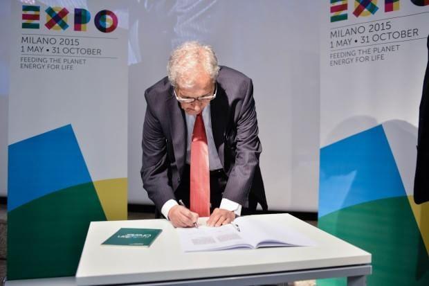 cms_2219/il_Premio_Nobel_per_l'Economia_Amartya_Sen_ha_sottoscritto_la_Carta_di_Milano.jpg