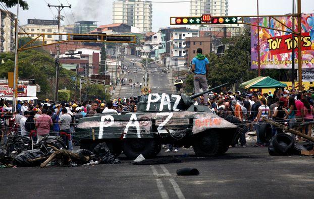 cms_411/venezuela_back_2102.jpg