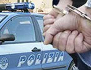 cms_792/polizia-arresto-manette_3_10.jpg