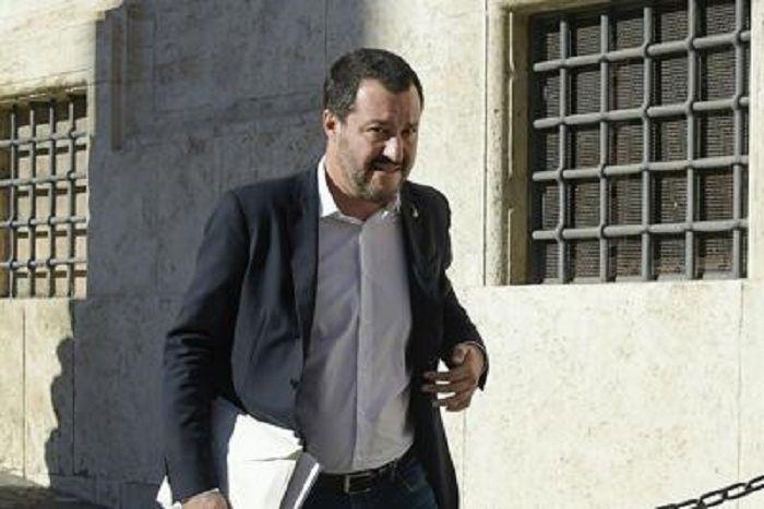 cms_14006/Salvini_piazza_montecitorio_Fg.jpg