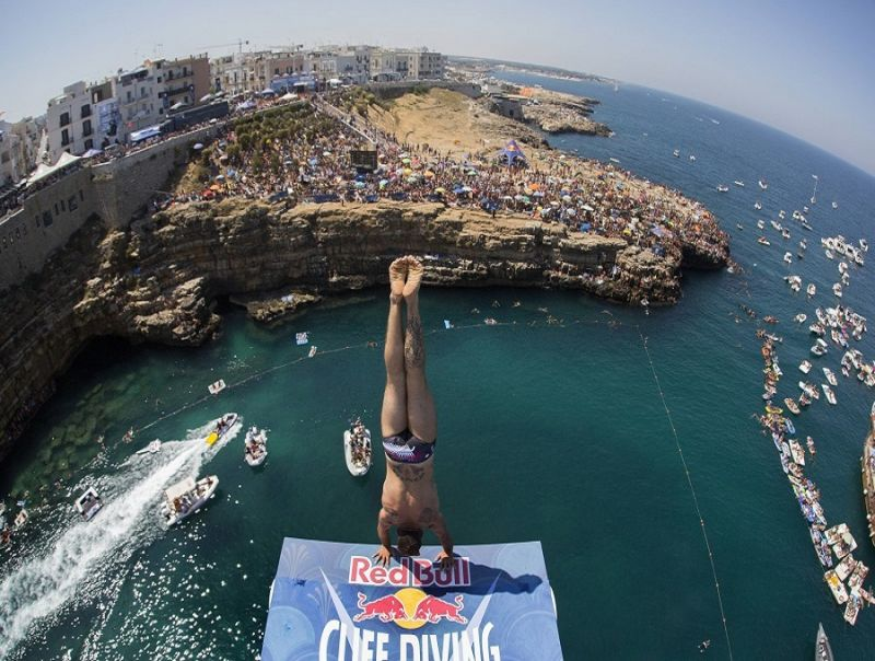 RED_BULL_CLIFF_DIVING_WORLD_SERIES_SVELATO_IL_CALENDARIO_2018_POLIGNANO_A_MARE_OSPITA_LA_FINALISSIMA.jpg